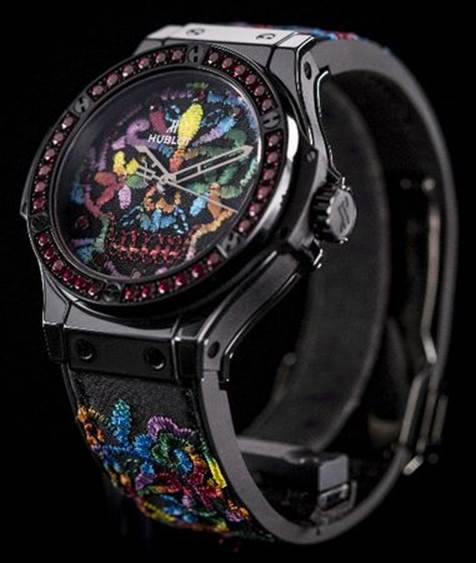 Часы Big Bang 41MM Broderie Sugar Skull представила компания Hublot