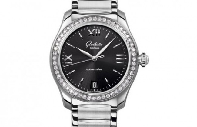 Компания Glashutte Original представила часы Lady Serenade