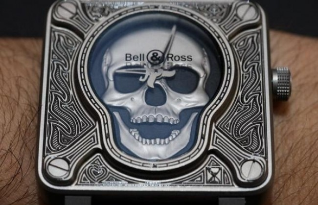 �������� Bell & Ross ������������ ������������ ���� BR01 Burning Skull